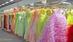 la robe robes-en-couleur-robe-de-mariee-la-mariee-3589443aygzk-300x171